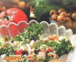 Салат с рыбой и крабами