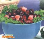 Салат из фасоли со шкварками