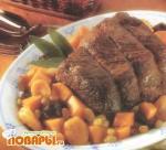 Мясо, запеченное в горшочке с фруктами