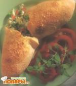 Калзоне с тремя разными сырами