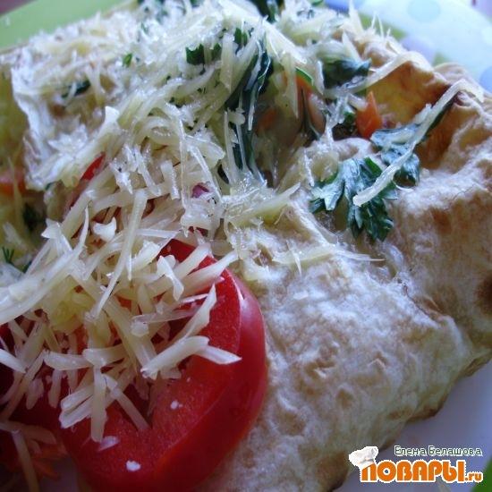 Рецепт Лаваш с картофельно-овощной начинкой под белым соусом в духовке