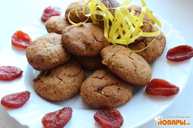 Рецепт Овсяное печенье с финиками, курагой и свежим виноградом (без сахара)