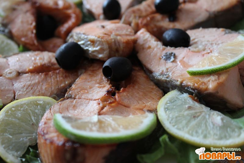 Рецепт Семга с лимонами, лаймом и оливками (запеченная в духовке в фольге)