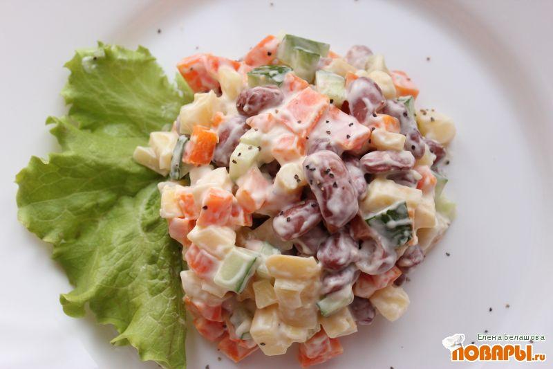 Рецепт Салат с постным майонезом, фасолью, картофелем и свежим огурцом