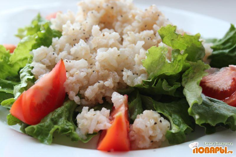 Рецепт Как приготовить коричневый рис (коричневый рис с белым рисом, с салатом и помидорами)