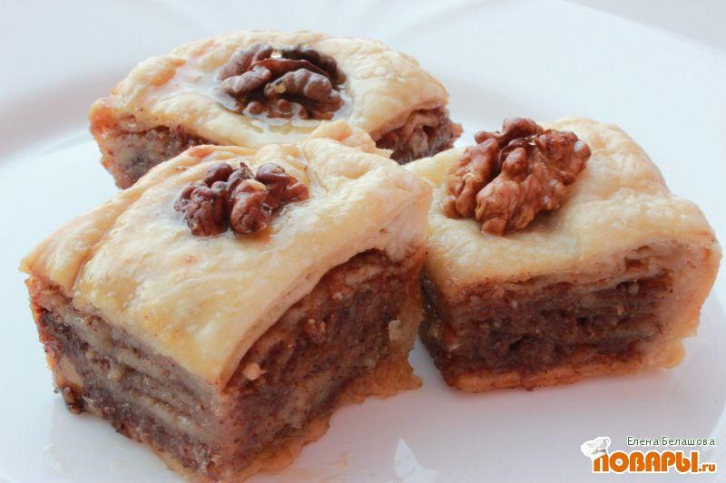 Рецепт Слоеная пахлава с грецкими орехами, корицей и медовым сиропом