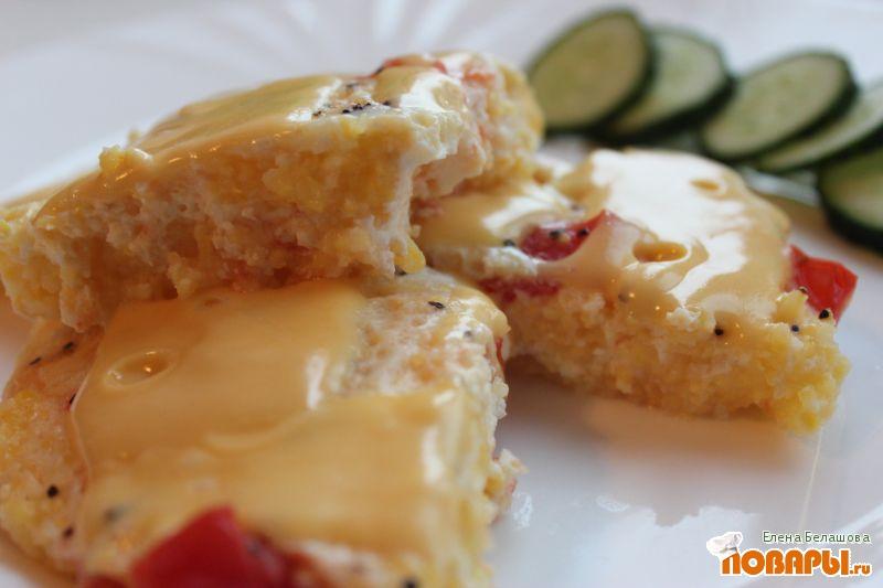 Рецепт Омлет с мамалыгой, помидорами и сыром