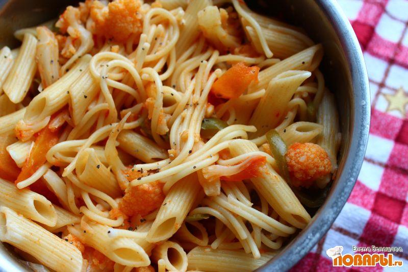 Рецепт Паста с имбирем, томатами и цветной капустой