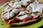 Пицца из тандырной лепешке с редисом