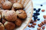 Печенье без сахара с кукурузной мукой (постное, на финиках и изюме)