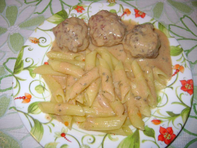 Рецепт Тефтели в сливочно-чесночном соусе