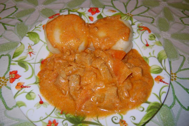 Рецепт Свинина тушеная со сметаной и чесноком