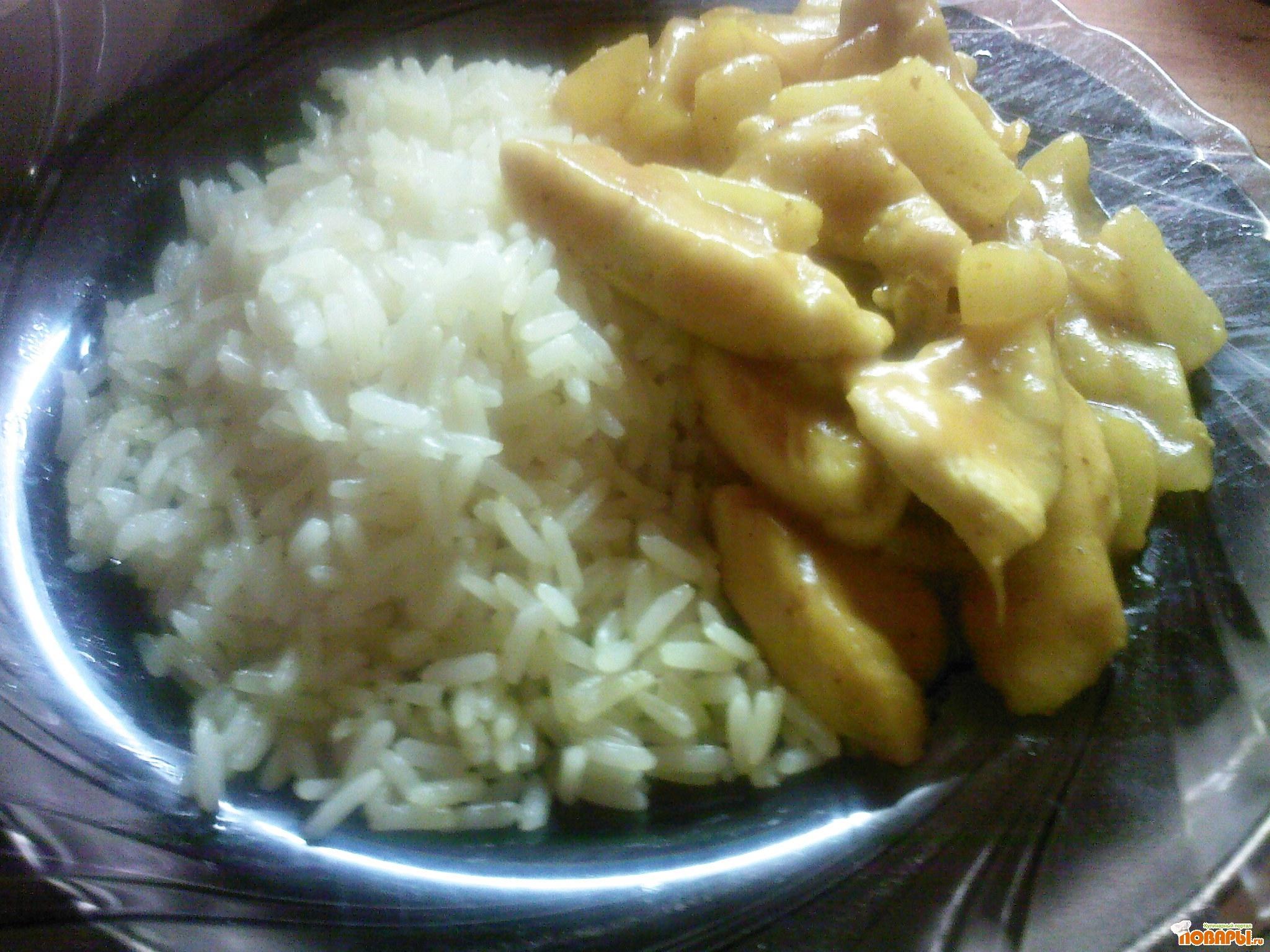 Рецепт Куриное филе с ананасами в соусе карри