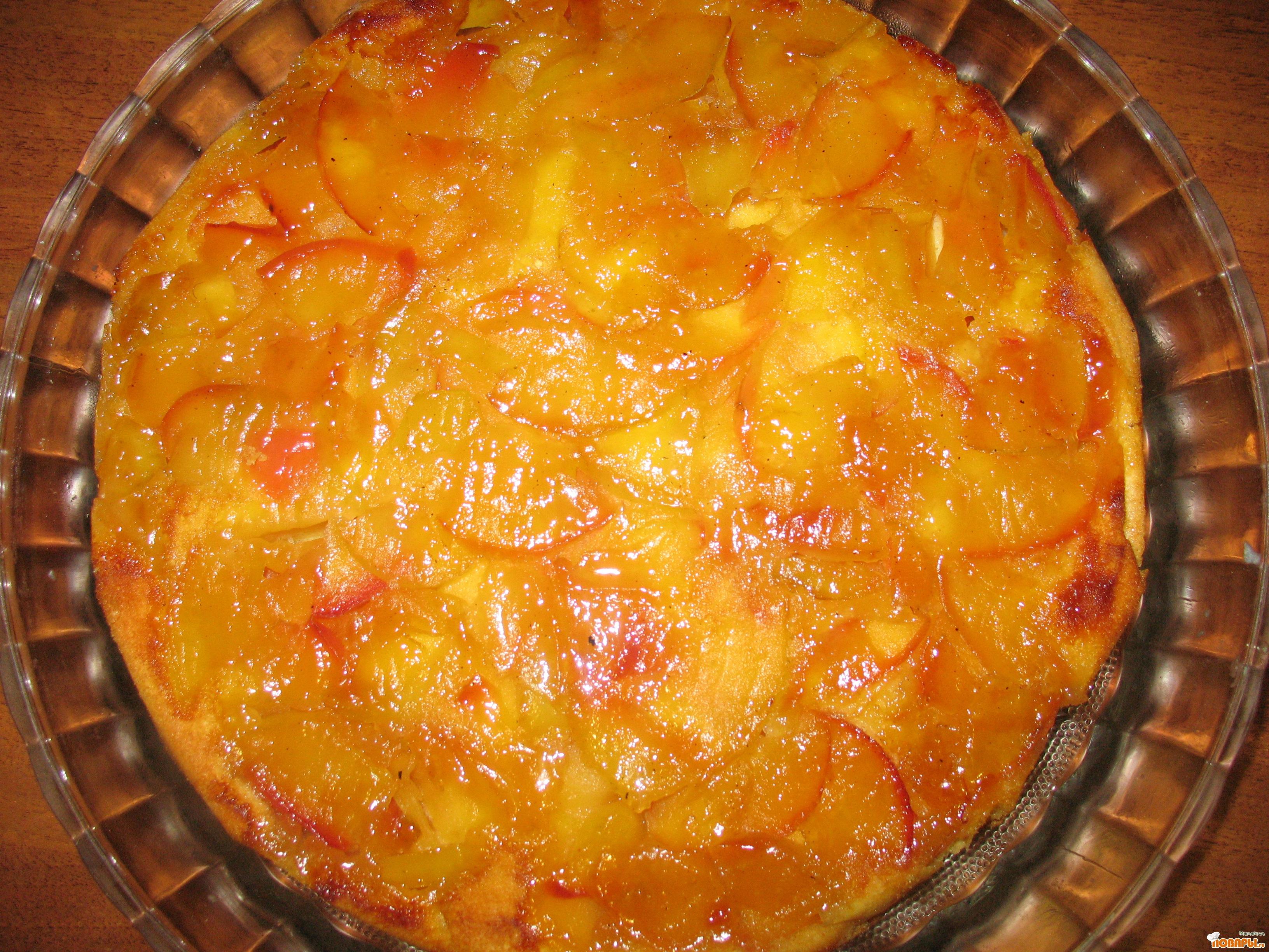 Рецепт Шарлотка с карамелью и яблоками