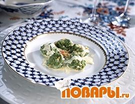 Рецепт Пельмени с норвежской семгой и креветками в укропно-яблочном соусе
