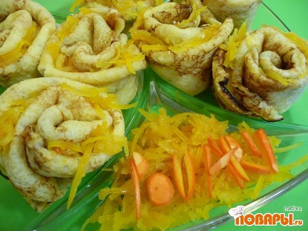 Рецепт «Жёлтые розы» (блины из тыквы с тыквенно-айвовым вареньем и творогом)
