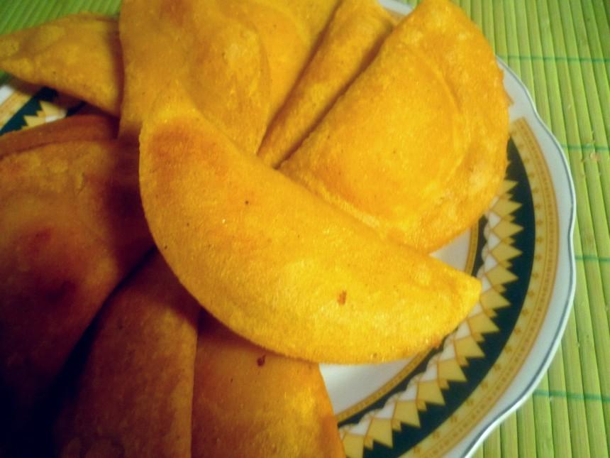 Рецепт Эмпанадас из кукурузной муки с моццареллой