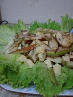 Салат из груш с голубым сыром