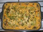 Крылышки с картошкой под сырно-грибным соусом