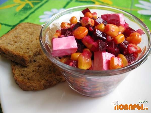 Рецепт Салат из свеклы с кукурузой