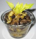 Острая закуска с баклажанами и грибами