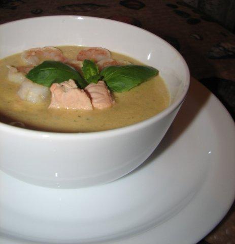 Рецепт Крем-суп с семгой и креветками