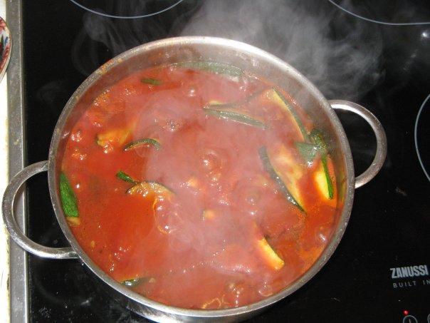 Рецепт кабачки -цукини,тушеные в томатной пасте